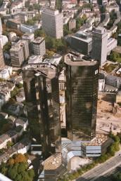 Hohes Gebäude in Innenstadt