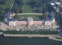 Schloss Fluss Bäume Park